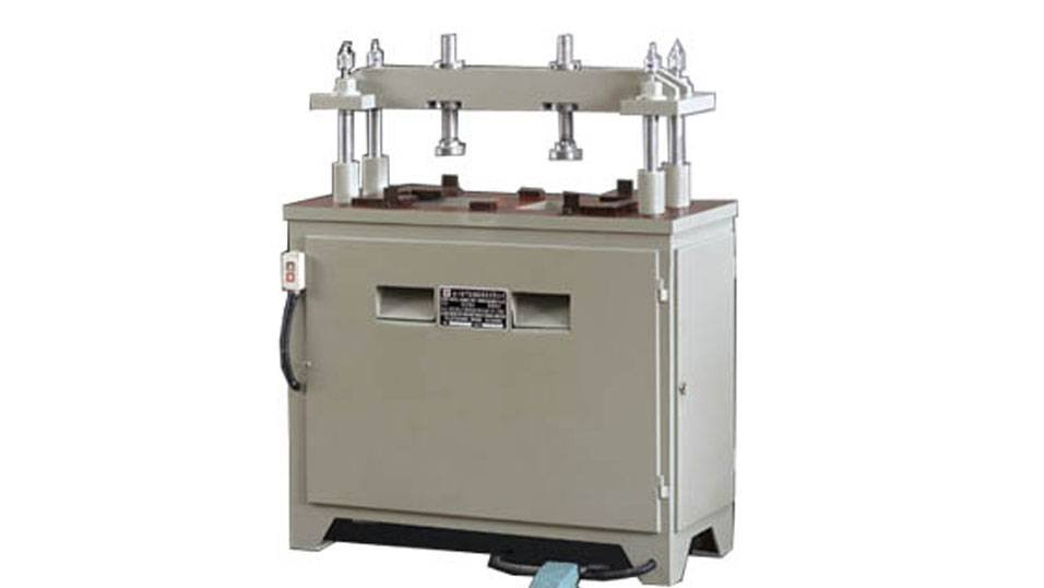 kingtool aluminium machinery KT-373A Four-Column Hydraulic  Aluminum Punching Machine Aluminum Punching Machine image3